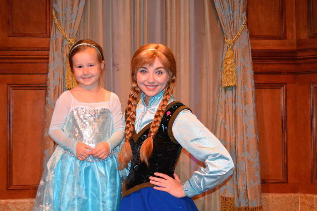Meet and greet with anna and elsa at princess fairytale hall magic attraction photos m4hsunfo